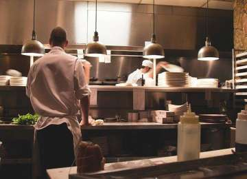 How to Make a Career in Hotel and Hospitality Management?