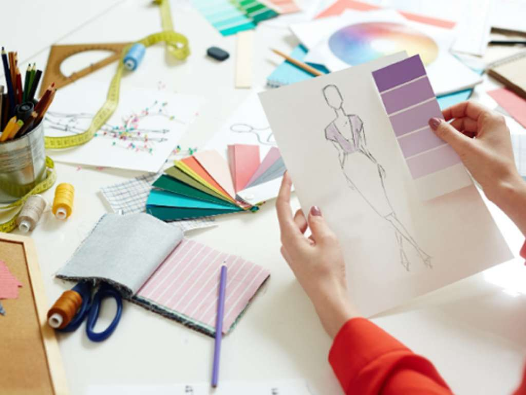 Top 4 Skills You Should Have Before You Decide To Be A Fashion Designer