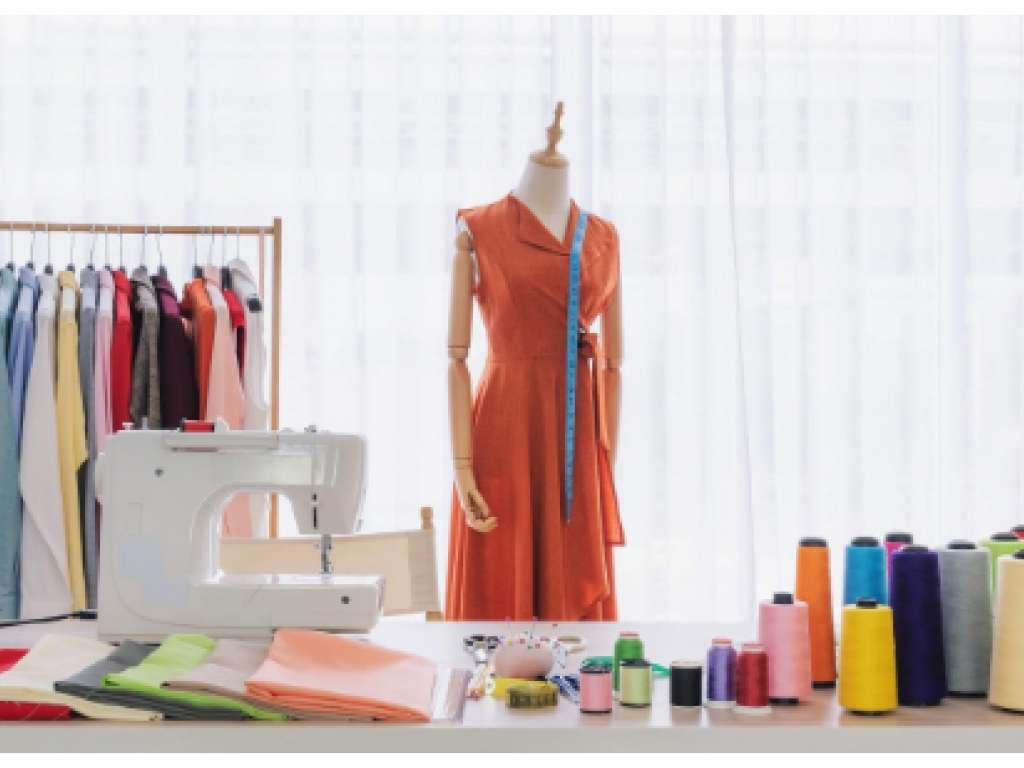 6 Reasons To Learn Fashion Designing